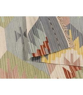 Kilim 23. Alfombra manual de Lana. Medida 170x240 cm.