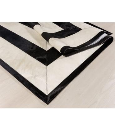 BM2. Colores Beig y Negro. Diseño Personalizado por Cliente.