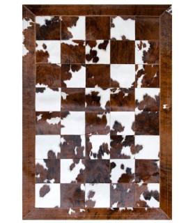 Patchwork Toro Normando. Cuadros 20x20 cm. Cenefa de 10 cm.