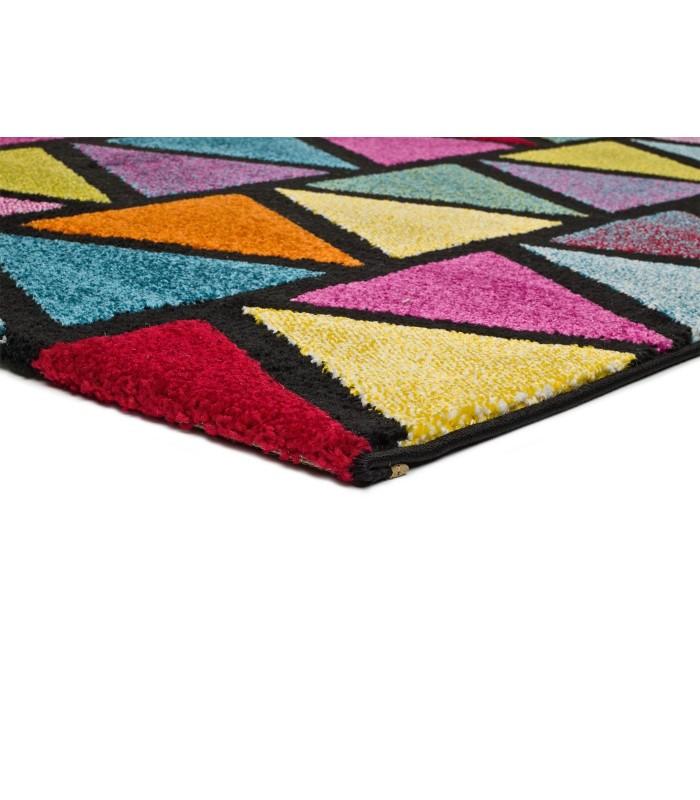 Arco 51. Alfombra moderna de triángulos de colores.