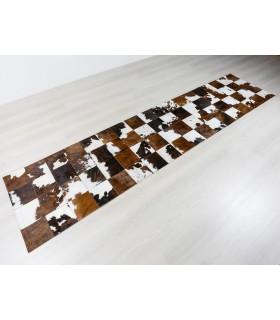 Alfombra Piel de Toro Normando. Medidas Para Pasillo.  Cuadros 20x20 cm.