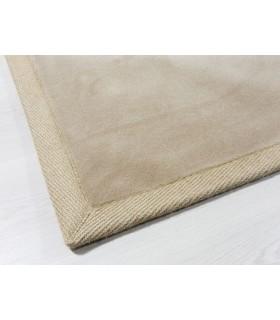 Alfombra de lana modelo Vella. Color Beig. Borde Cenefa de Yute Natural.