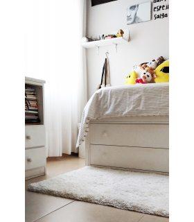 Alfombra de pelo largo a medida Berly. Color Blanco. Foto de Cliente.