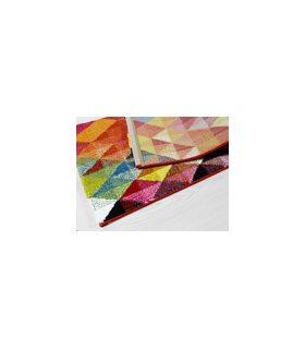 Belis 22606. Alfombra con rombos de colores. Medida pie de cama.