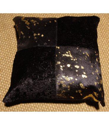 GoldBlack. Cojín de piel.