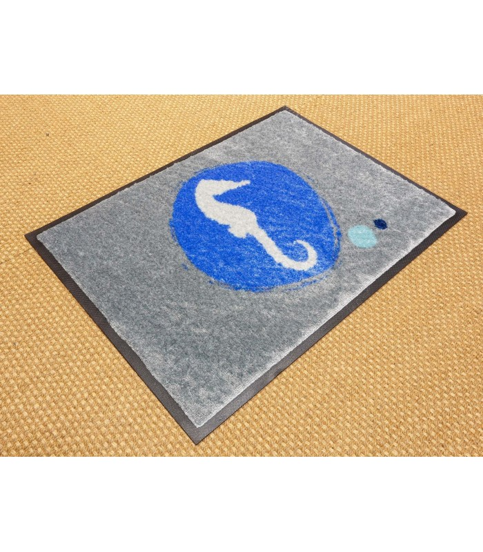 Felpudo Logo Vis. Ejemplo. Tamaño 115x180 cm.